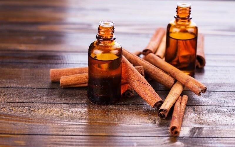 18 Amazing Benefits Of Cinnamon & Its Oil